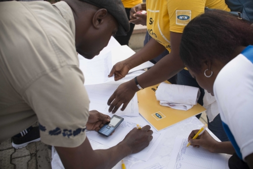 Eager volunteers already gathered early in the morning to register for the #MTNASAP Walk.